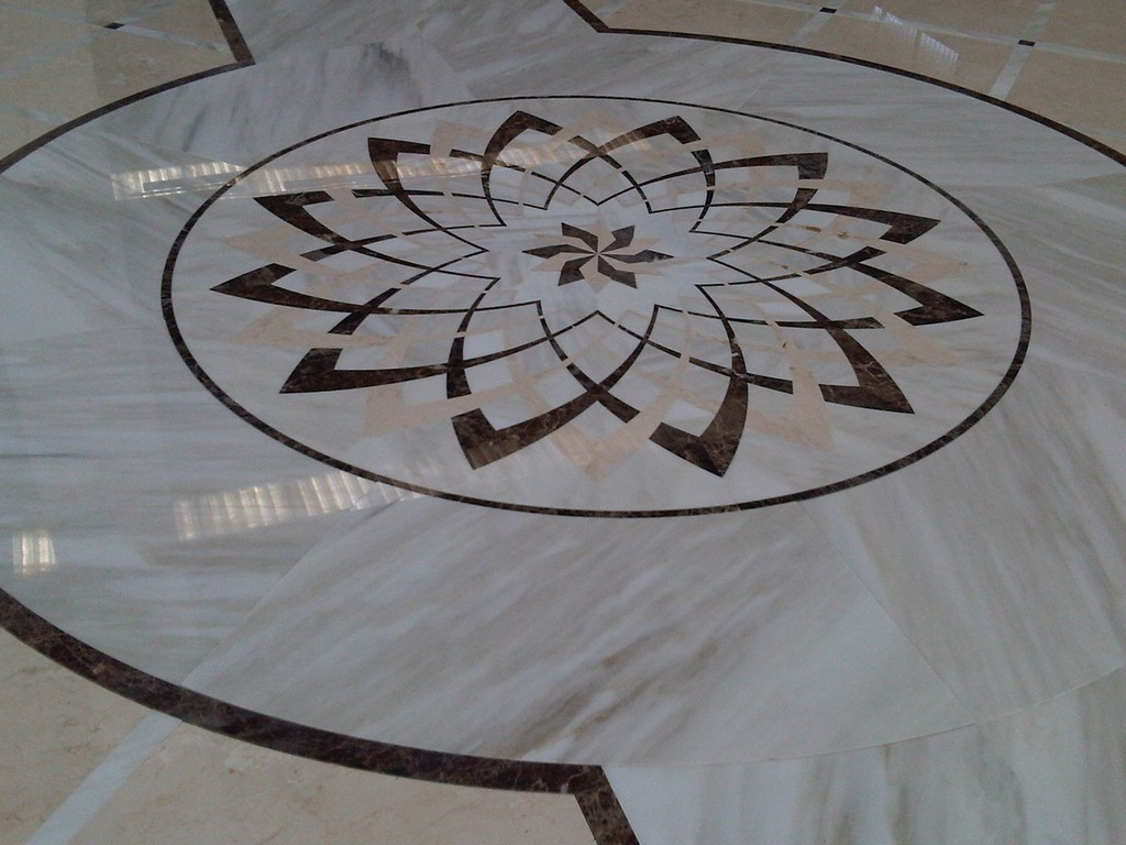 Rosoni x pavimenti pizzi michele di ermilo s a pavimenti for Mosaici in marmo per pavimenti